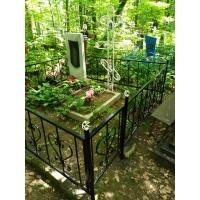 Покрасили ограду и крест на Румянцевском кладбище
